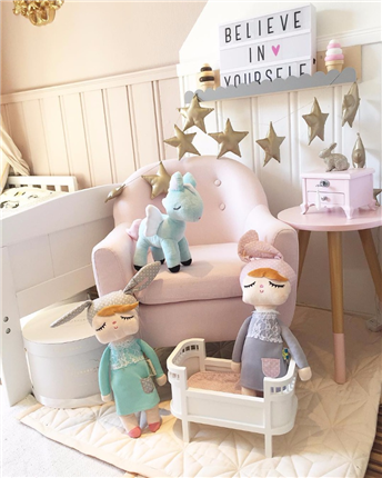 Muñeca Little Bunny rosa | Universo Mini